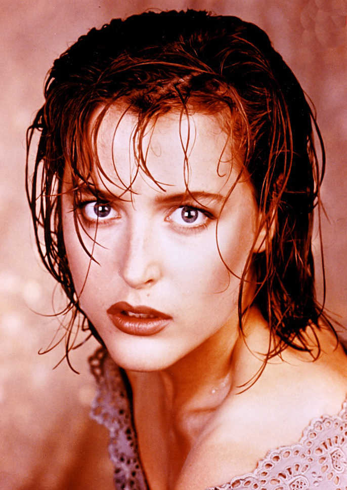Gillian Anderson ч3.