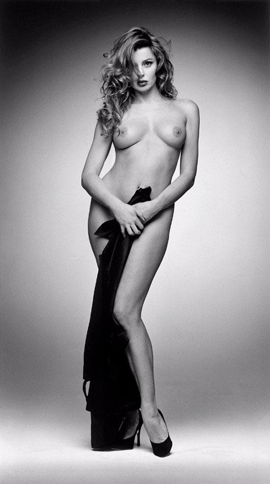 Female celebrities nude paparazzi